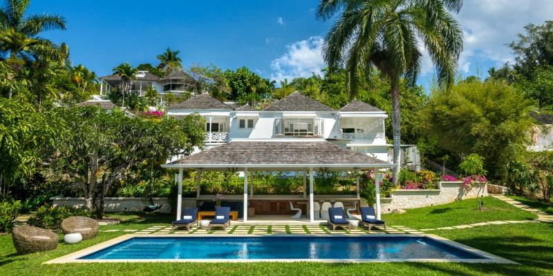 luxe-jamaican-experience-at-round-hill-hotel-villas/